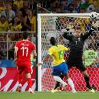Brasil vence a Sérvia por 2 a 0 e vai enfrentar o México nas oitavas de final