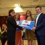Aconchego programa lançado pelo governo inicia distribuição de 100 mil cobertores aos municípios