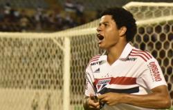 Gabriel Sara marca três e São Paulo estreia com goleada na Copinha