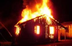 Mulher teve a casa incendiada ao negar a fazer sexo