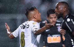 Corinthians tira Santos nos pênaltis e vai à terceira final seguida de Paulistão
