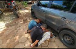 Homem é rendido por 3 horas dentro de carro em estacionamento do Comper