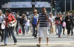 Desemprego cai de 12,4% para 12,3% no trimestre encerrado em maio