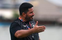 Eduardo Barroca não é mais técnico do Botafogo