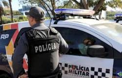 Policial militar leva tiro de raspão na cabeça e perde a arma durante assalto