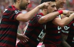 Flamengo vence Bahia e abre 10 pontos do Palmeiras