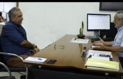 Professor Adriano pede informações na Sinfra das obras de recuperação dos bairros em Cáceres
