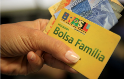 Economia: Governo divulga calendário de pagamento do Bolsa Família para 2020