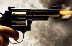 Rapaz 'brinca' com arma, dispara um tiro e mata irmã de 14 anos em Cuiabá