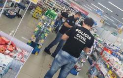 Polícia Civil fiscaliza farmácia em Várzea Grande para coibir práticas abusivas contra o consumidor