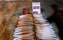 PM intercepta caminhonete e encontra 69 explosivos em Aripuanã