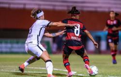 Corinthians vence Flamengo no Brasileiro feminino