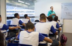 Comissão especial apresenta cinco projetos para orientar volta às aulas