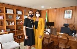 Michelle Bolsonaro e Damares Alves confirmam presença na inauguração da Delegacia 24h