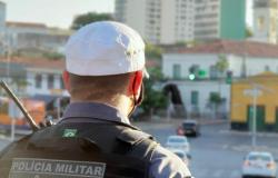 Batalhão de Trânsito alerta ciclistas para uso obrigatório de equipamentos de segurança durante período de queimadas