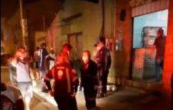 Ex-marido arrasta mulher trabalhando em lanchonete e mata com quatro tiros no CPA IV