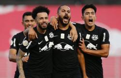 Bragantino vence lanterna Goiás e escapa da zona de rebaixamento