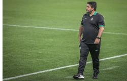 Botafogo demite técnico Ramón Díaz e anuncia volta de Eduardo Barroca