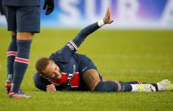 Primeira avaliação médica constata entorse em tornozelo de Neymar