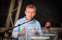 """Governador: """"Queremos não só revitalizar, mas potencializar o turismo e o desenvolvimento sustentável do Araguaia"""""""