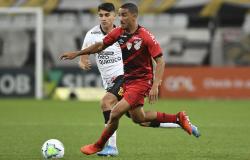 Em duelo eletrizante, Corinthians e Athletico-PR ficam no empate