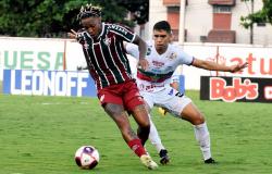 Flu e Portuguesa decidem quem disputará título do Carioca contra Fla