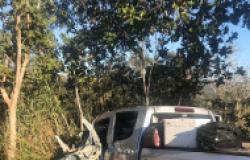 Acidente com S10, carro-forte e caminhão tanque deixa 2 feridos