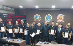 Policiais da Derf Várzea Grande são agraciados com moção de aplausos