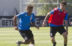 Corinthians renova contrato de Pedrinho e mais três jogadores