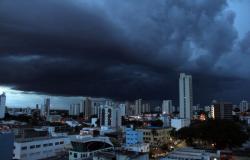 Defesa Civil alerta sobre cuidados no período de fortes chuvas