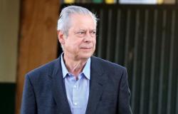 Justiça manda prender José Dirceu; ex-ministro tem até as 17h de sexta para se apresentar à PF em Brasília