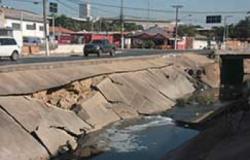 Canalização de córrego está desmoronando em Cuiabá