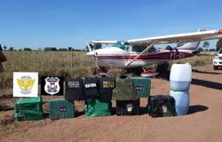 Quadrilha invade aeroporto e tenta resgatar avião