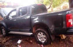 Casal é preso em flagrante e caminhonete recuperada em Várzea Grande