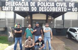 Polícia Civil cumpre mandados contra três por furto de celulares de loja de shopping de Cuiabá