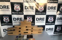 Polícia Civil prende dois com 18 tabletes de maconha no porta-malas de veículo