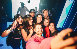 Alok surpreende grupo de fãs no Rock In Rio em ativação do Facebook