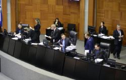 Deputados aprovam projeto que amplia limite para desmatar sem reflorestamento