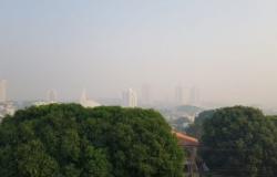 Cuiabá segue encoberta por fumaça