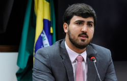 Emanuelzinho apresenta projeto que suspende corte de luz enquanto durar a pandemia