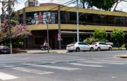 Ambev  está autorizada a recolher barris de chopp e freezers de restaurante falido em Cuiabá