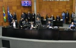Deputados fazem acordo e CPI da Renúncia e Sonegação Fiscal é aberta