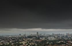 Sofrendo com 40 dias de seca, previsão aponta chance de chuva em MT e clima ameno em Cuiabá