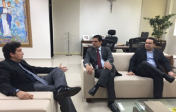Conselheiro Domingos Neto recebe presidente do TRE para discutir eleições 2018