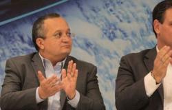 """Carlos Fávaro comunica Pedro Taques sobre """"independência"""""""