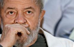 Polícia Federal negocia com defesa para que Lula se apresente