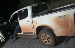 Bandidos rendem família e roubam caminhonete; veículo é recuperado no Jardim Petrópolis