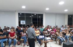 Nobres sedia  Fórum de Empreendedorismo e Negócios;  Guias de Turismo recebem palestrante com auditório lotado