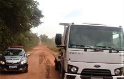 Policia Militar recupera caminhão roubado em Nobres
