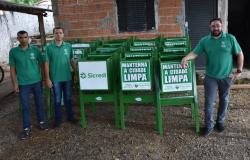 Prefeitura e Sicredi vão instalar lixeiras em vários pontos da cidade